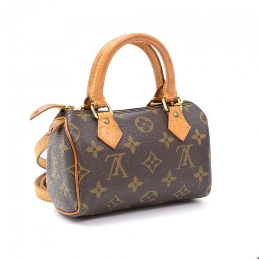 b20945eacbb0 Authenticating Louis Vuitton Bags  Our top tips.