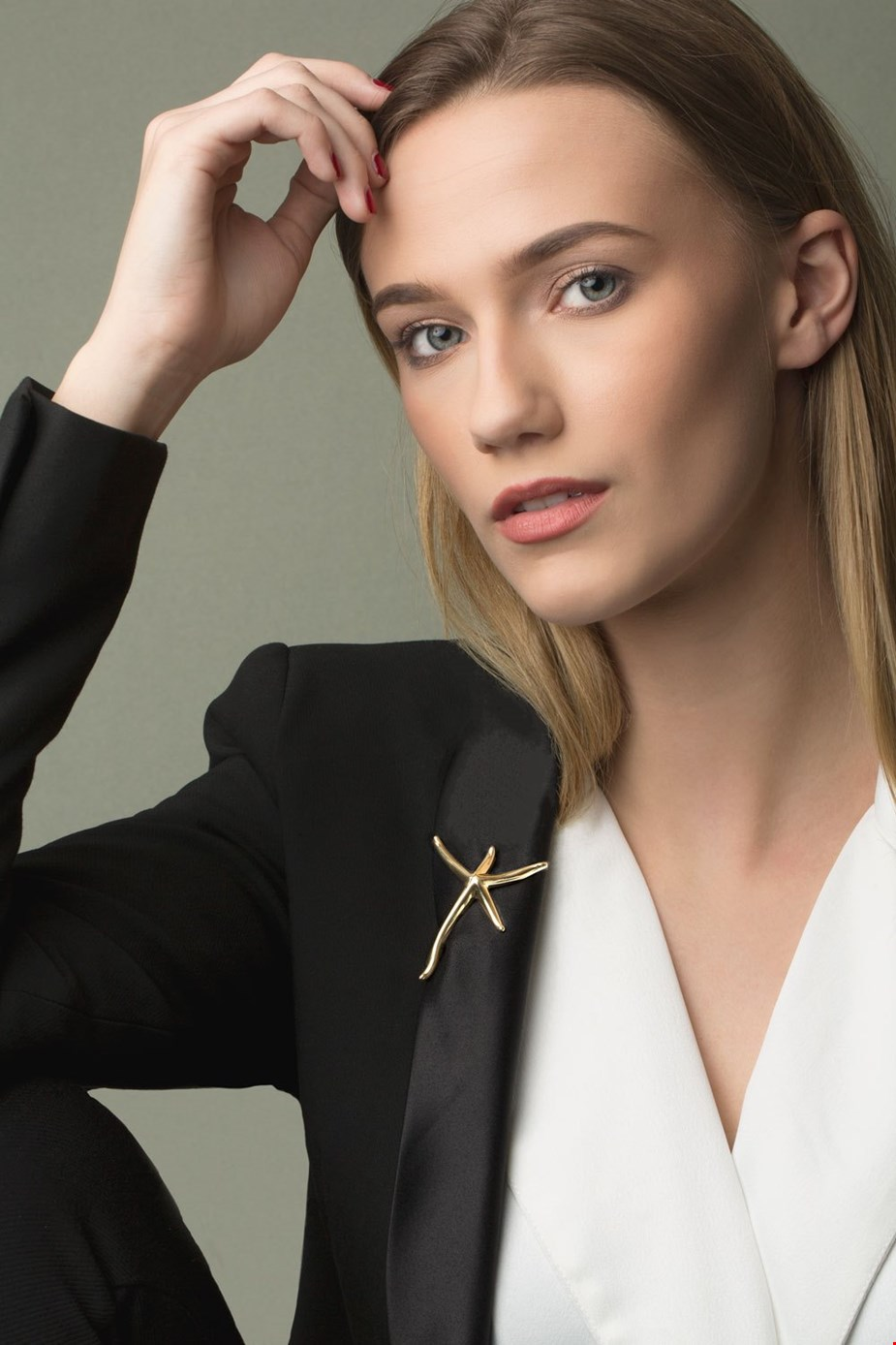 The Art of Wearing Brooches