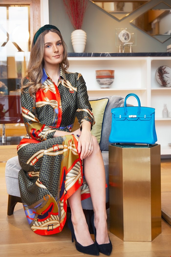 Xupes Handbag expert, Rose-Marnie Shepard with Xupes pre-owned Hermes blue Zanzibar swift leather Birkin