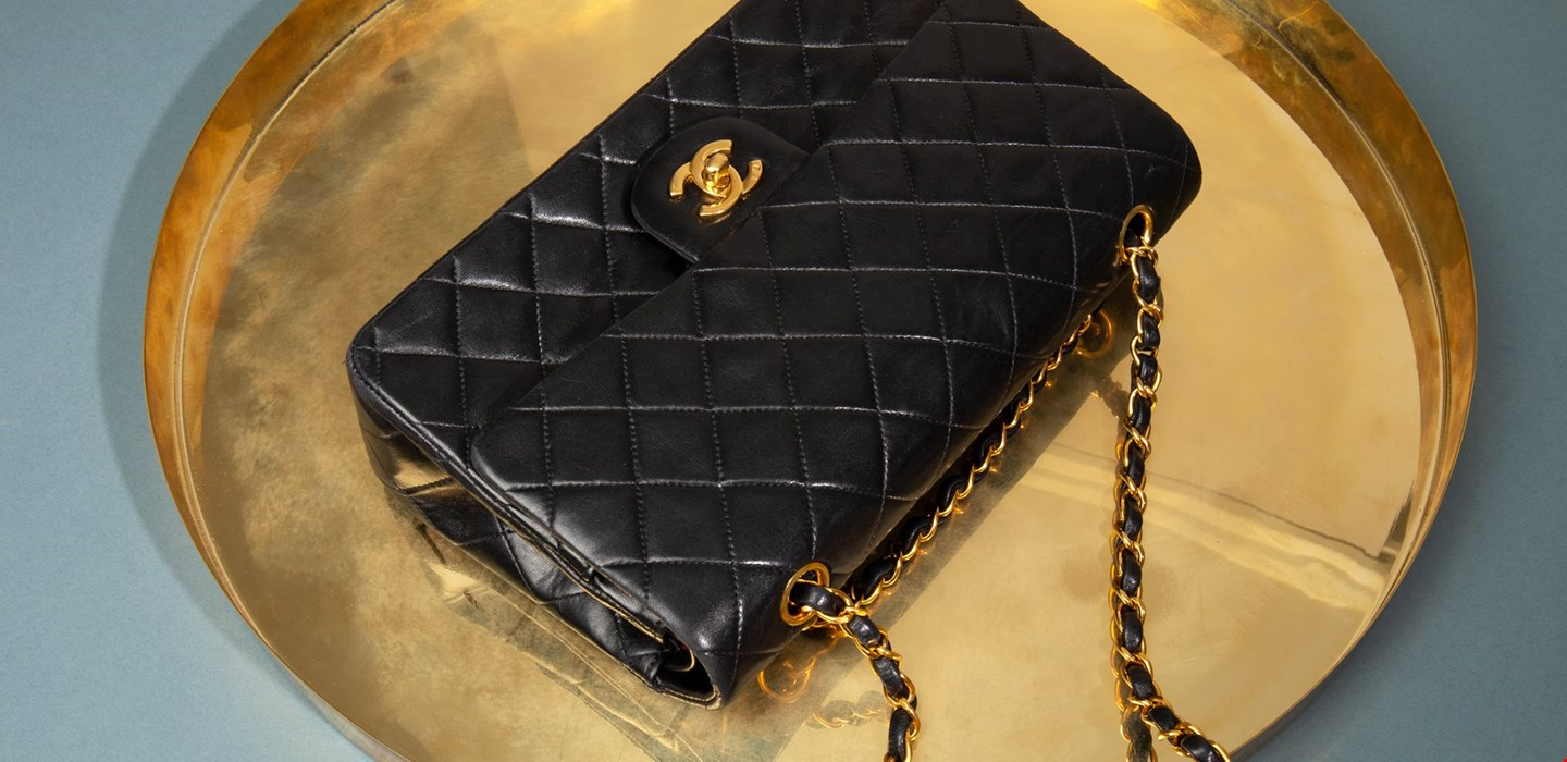 5deaa0cab5b3b7 Five Secrets You Didn't Know About The Chanel Double Flap | Xupes | Handbags  | Xupes
