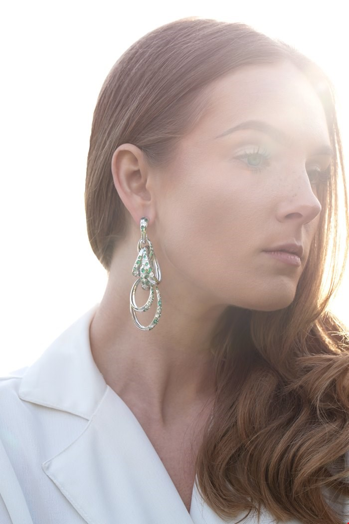second hand De Grisogono white gold diamond and emerald Catene Earrings | Xupes