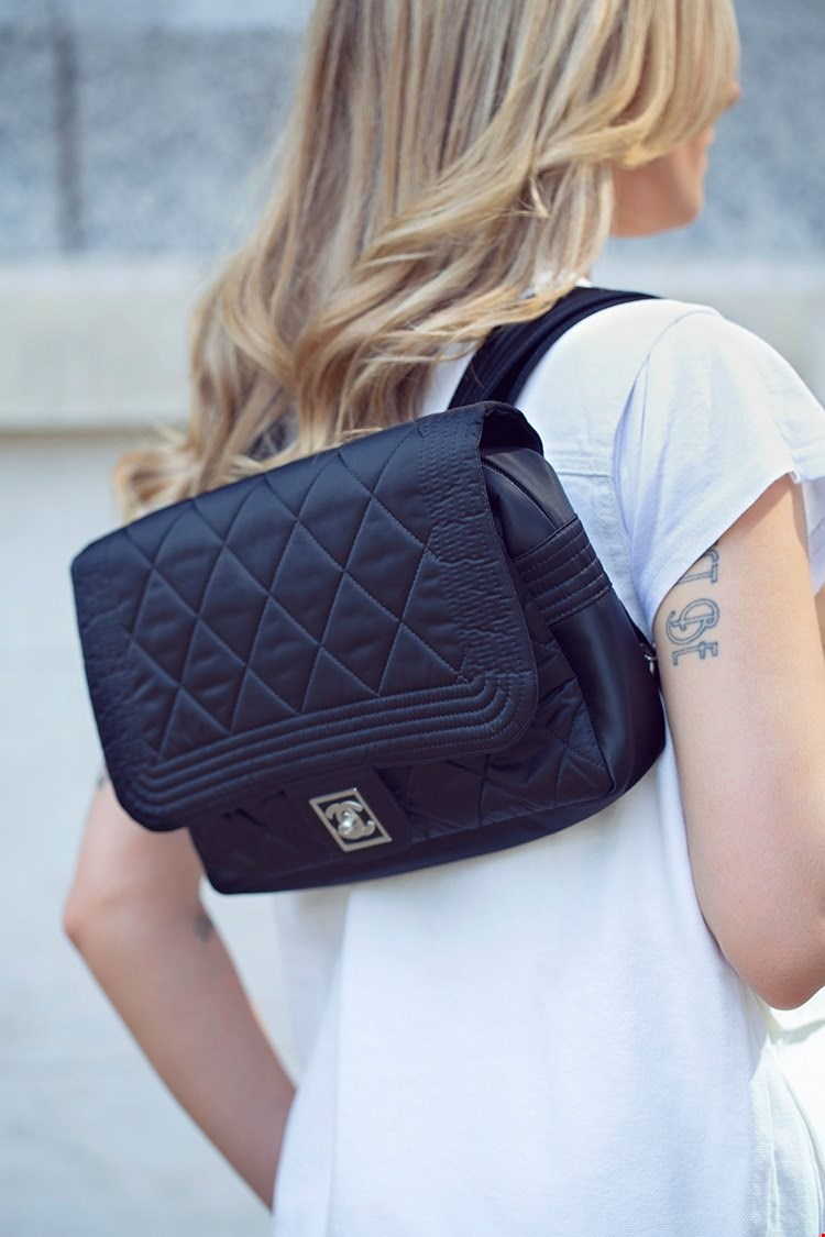 Chanel-BLACK-QUILTED-NYLON-SPORTS-LINE-BACKPACK